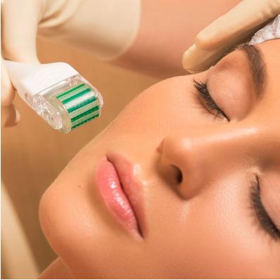 皮肤咨询师与客户商谈环节